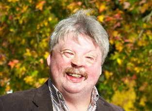 simon-weston-cbe
